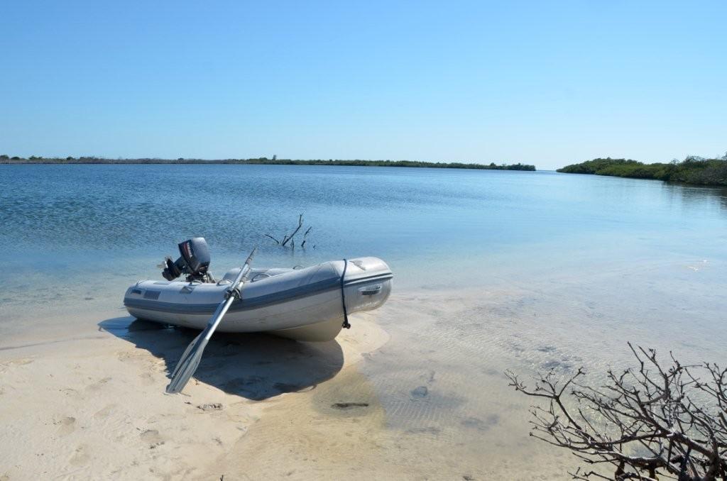Lagune Cayo Algedon