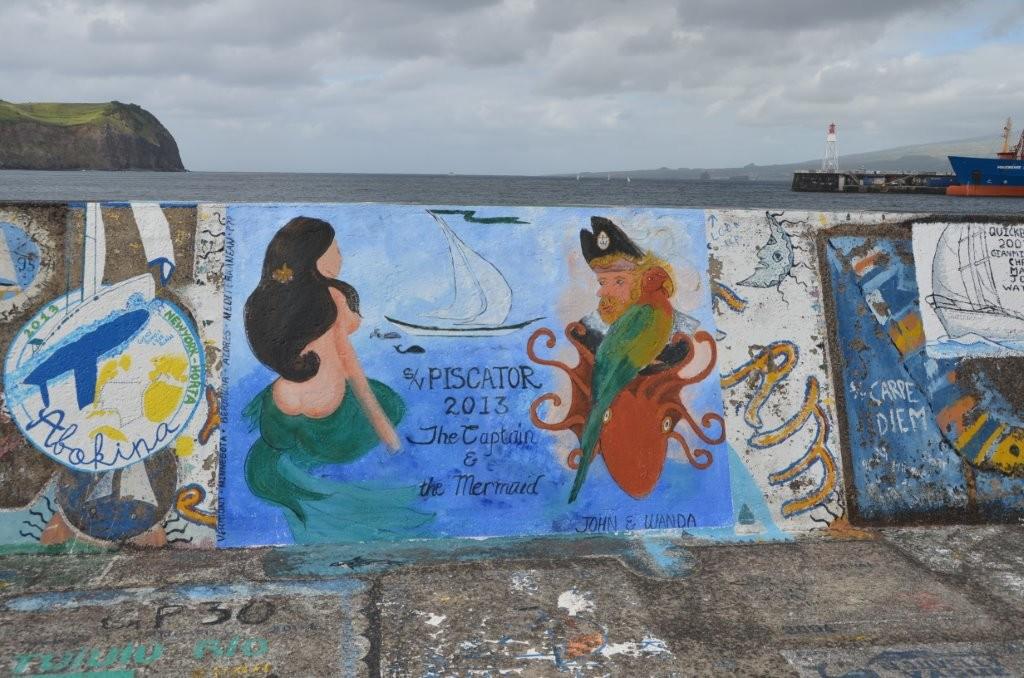 Freiluftgalerie Hafenmauer Horta