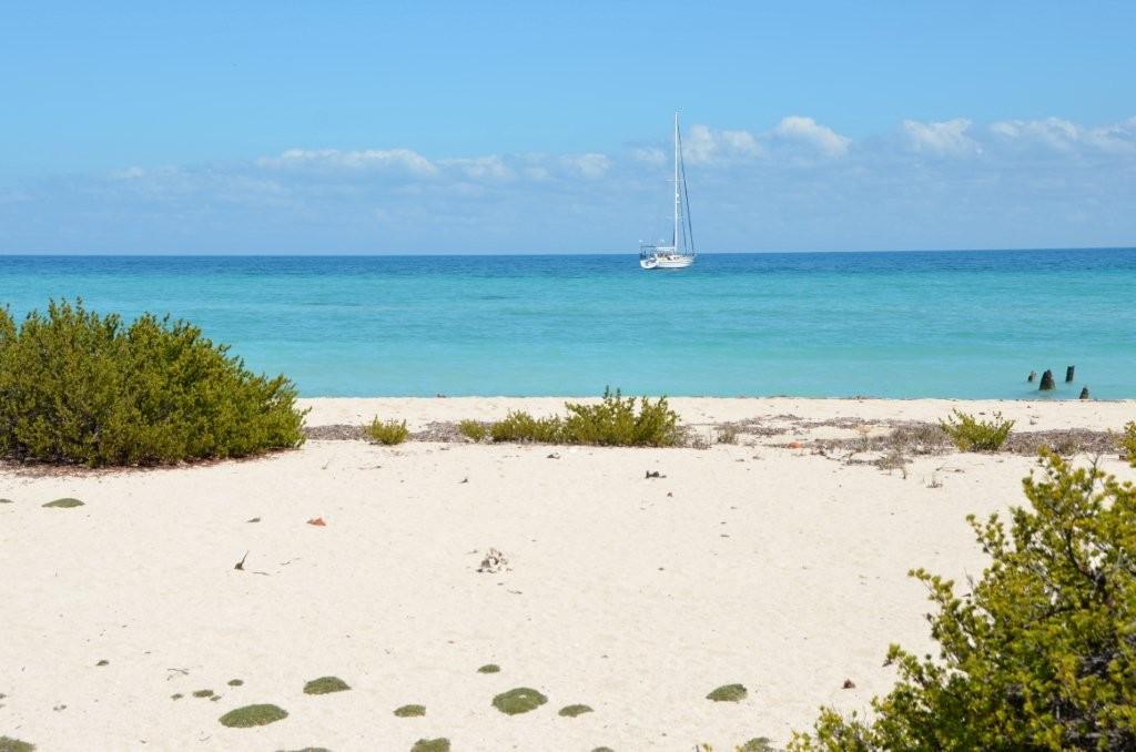 Strand an der Cayo Algedon