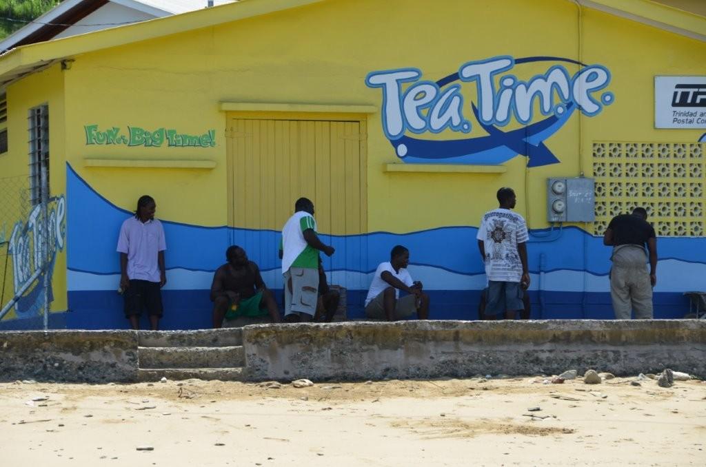 statt Tee wird allerdings lieber ein Carib getrunken ...