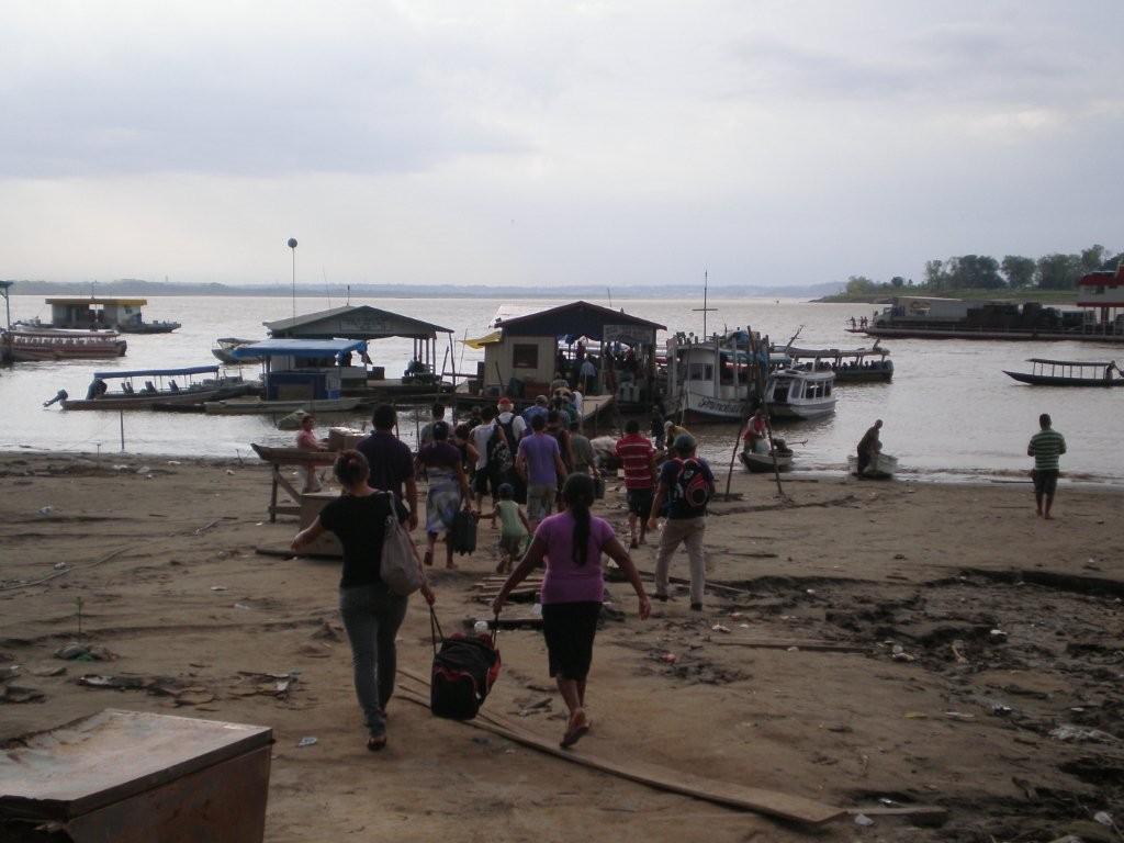 Bootsanleger im Amazonasgebiet