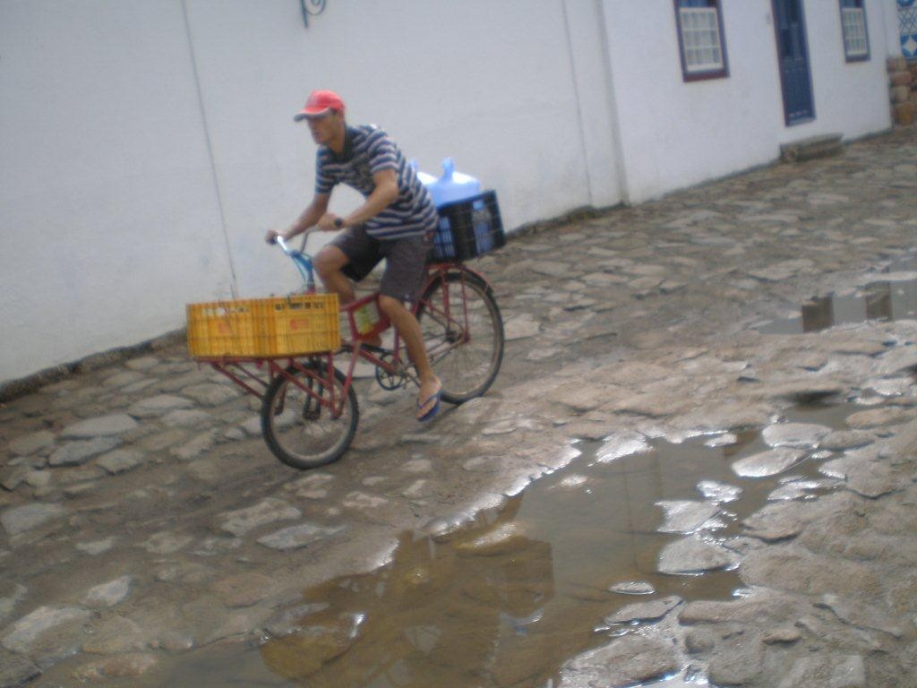 Paraty wird bei spring-tide geflutet