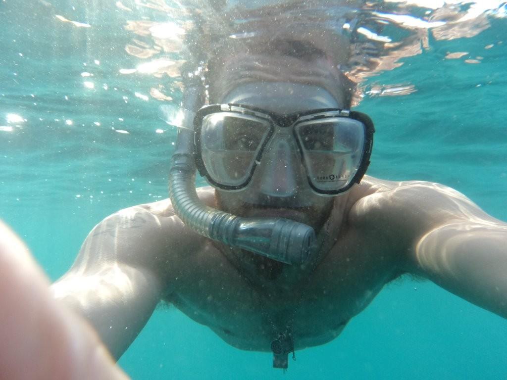 """... und Dominik fuer jedes Abenteuer zu haben, auch wenn ihm das Wasser """"bis zum Halse"""" steht"""