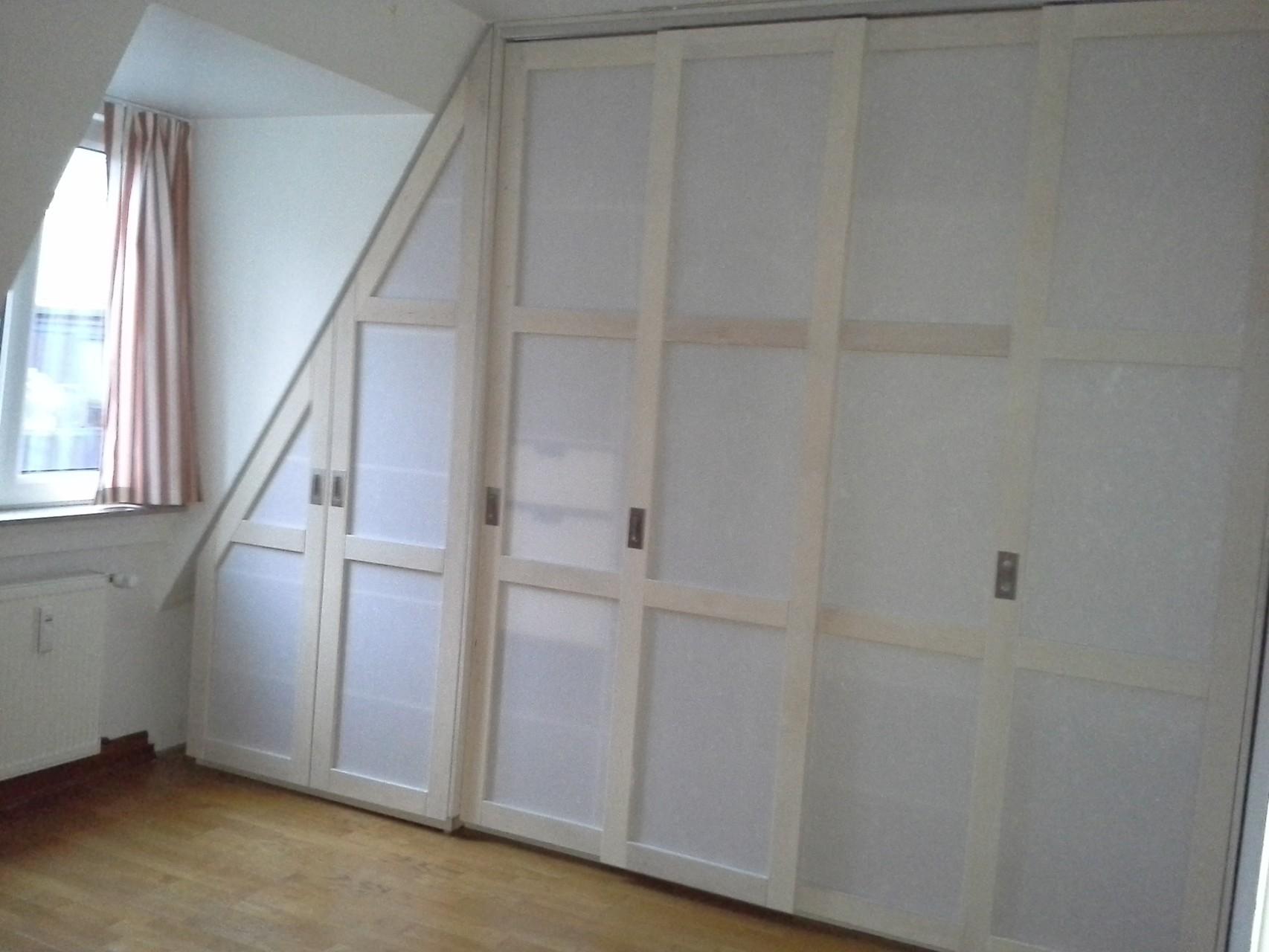 Rahmenholz weiß und japan. Papier , Schiebetüren, Einbauschrank, indiv. Schrankaufteilung