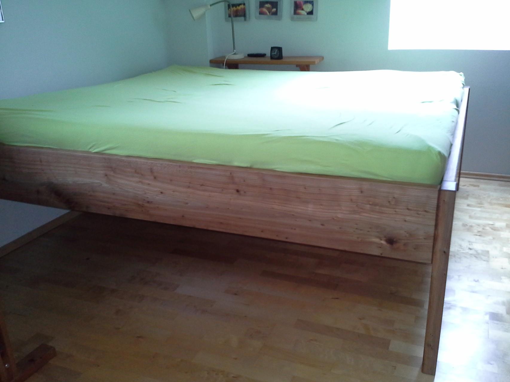 Bett aus griech. Rüster, Oberfläche geölt