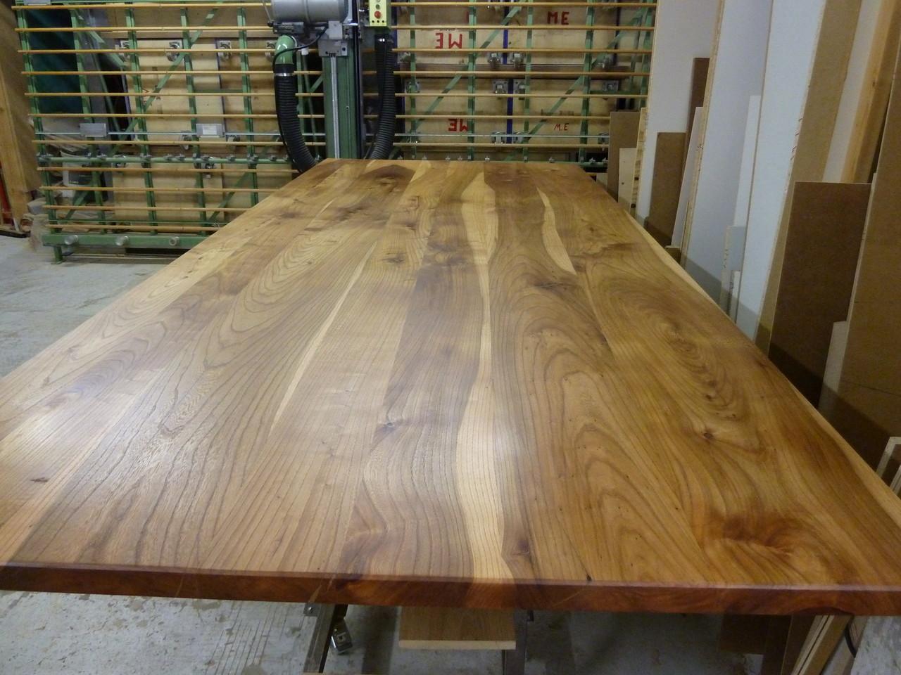 große Tischplatte aus Rüster, 3,00m länge x 1,30m breite x  40mm stärke