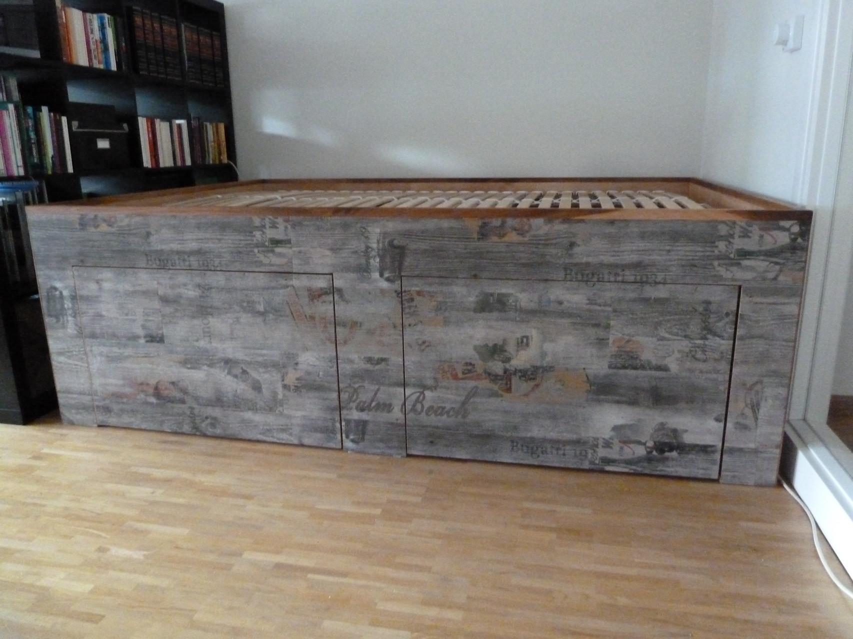 Podestbett,Rahmen mit Vinyl-Design Planken, Miami-Beach Style belegt