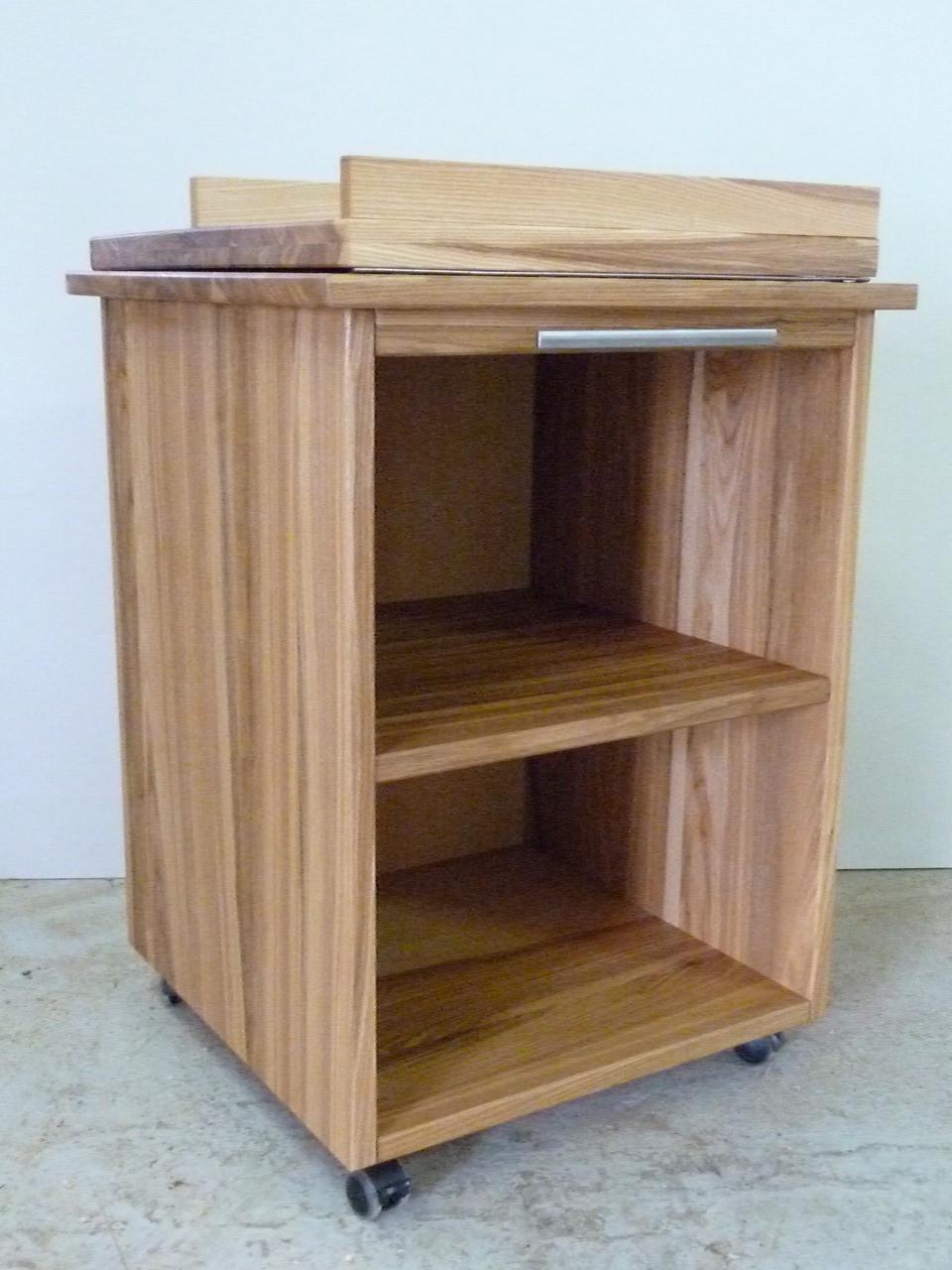 individuell angefertigte Schreibtisch Arbeitshilfe, Rollkontainer aus Eschenholz
