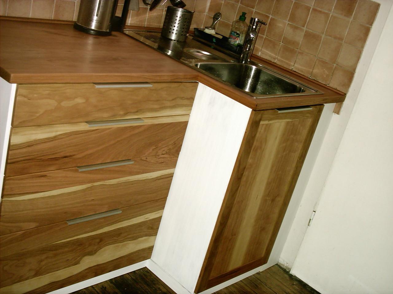 Küchenblock, Kirschholz und weiss lackiertes Birkenholz kombiniert