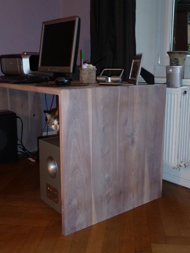 Schreibtisch aus Rüster , weiß lasiert