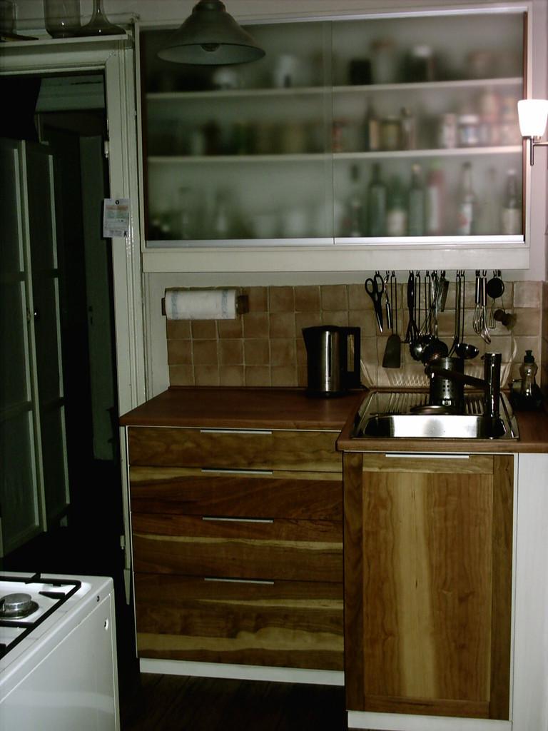Küchenblock, Kirschholz mit großen Schubkästen