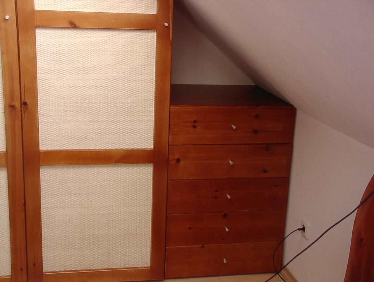 Einbauschrank - Buchenholz gebeizt