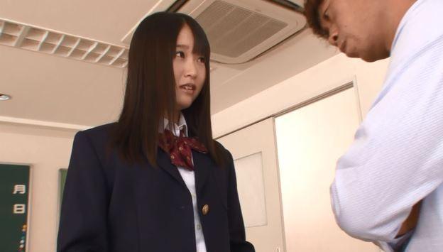 清楚な制服。先生がすきというシチュエーションからスタート。