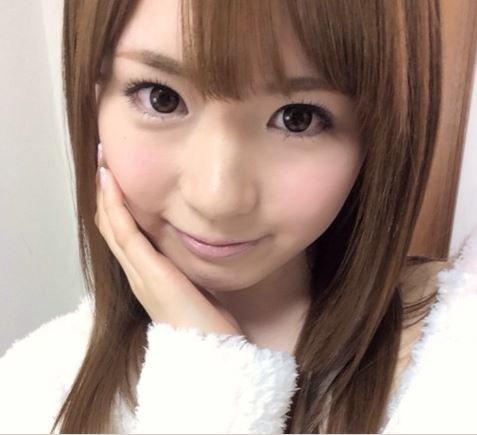 西川ゆいさんのブログに掲載された自画撮り写真。萌えた人はブログをチェックです!