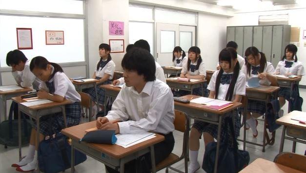 イタズラしようと◯学校に潜入。
