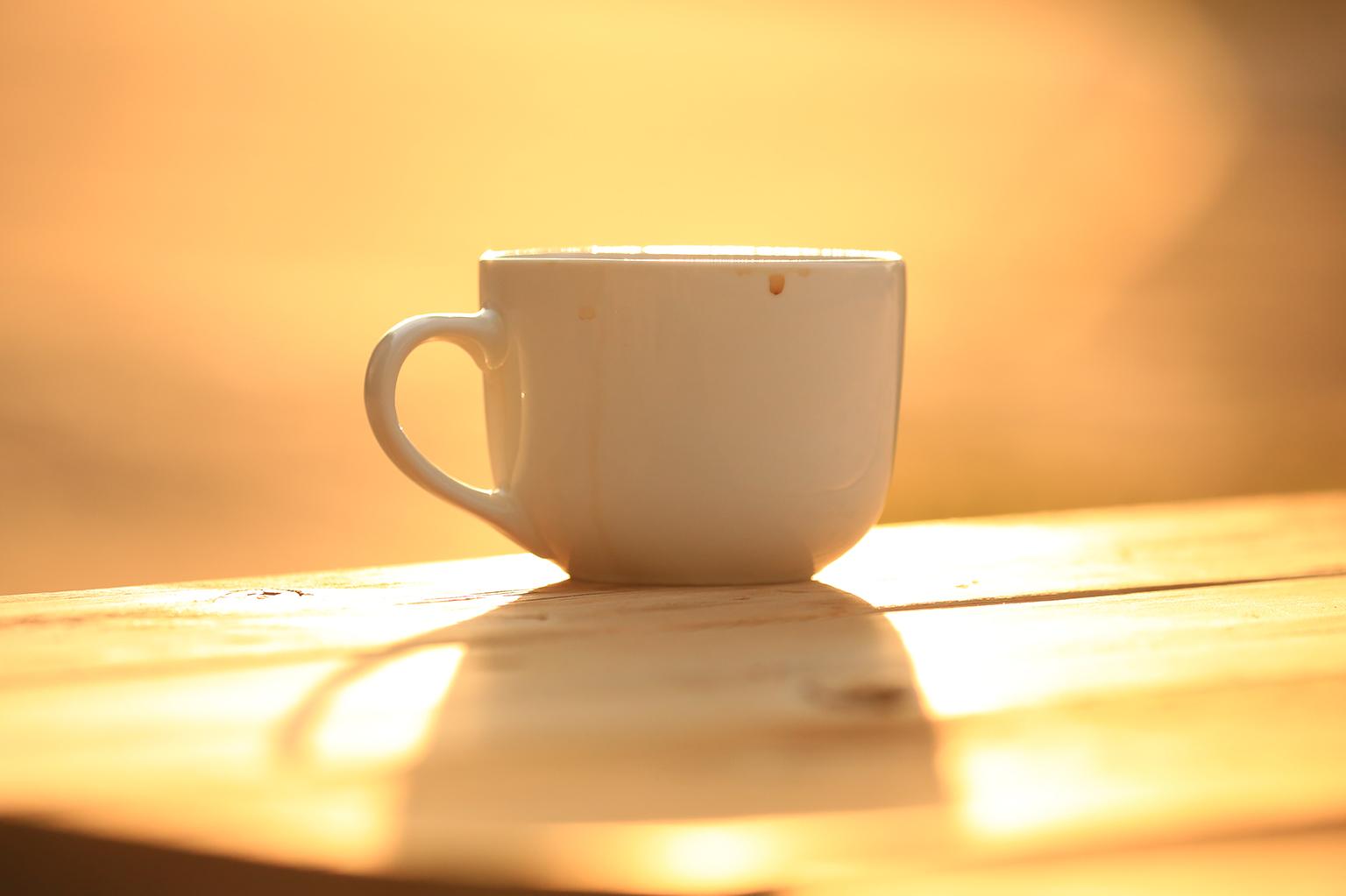 Villareal de San Carlos, Spanien – Einer der wichtigsten und schönsten Momente des Tages auf Fotoreisen - Sonnenaufgang mit Kaffee