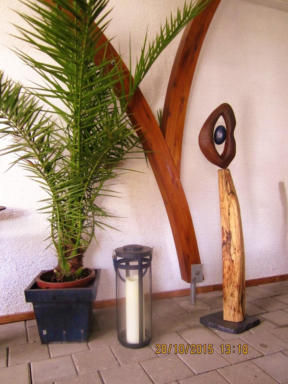 holzskulpturen in kombination mit holz stein metall udo s art kunst aus holz stein u metall. Black Bedroom Furniture Sets. Home Design Ideas