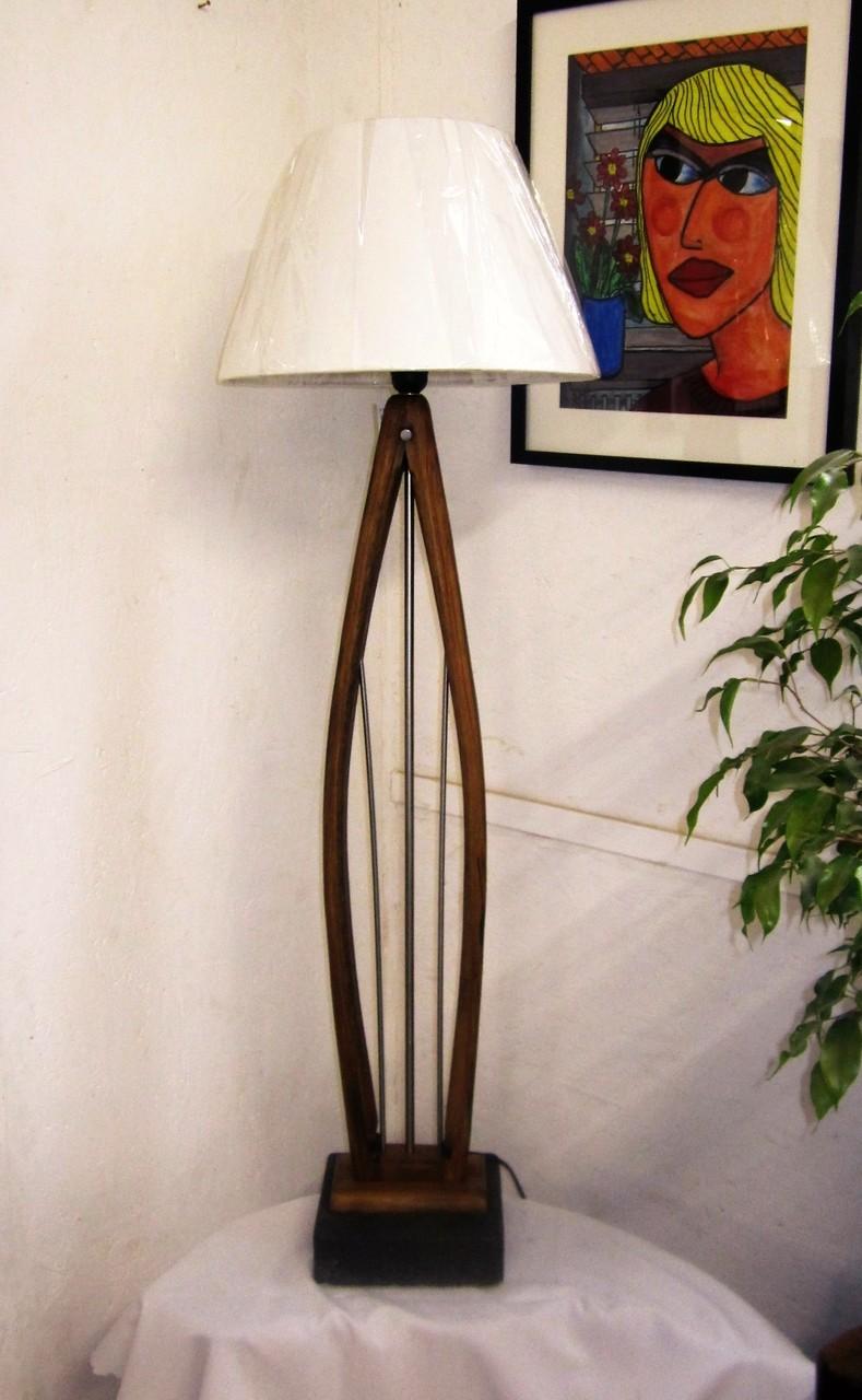 Leuchten lampen unikate aus holz stein u metall nach udo for Lampen udo kleve