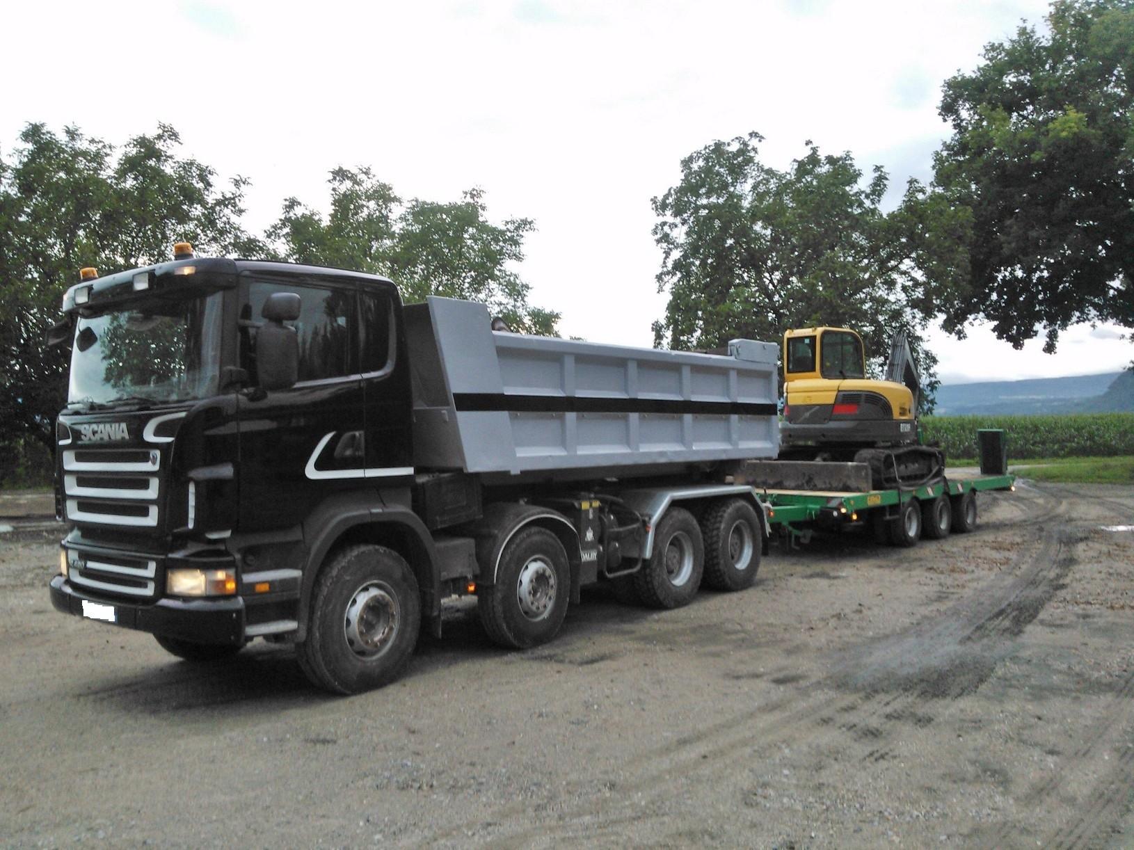 Camion 8x4 ampliroll, bennes gravat, enrochements, plateau