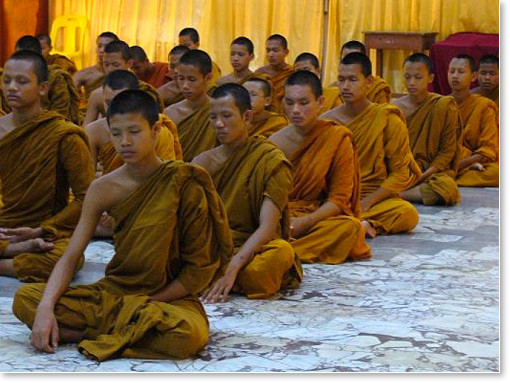 Buddhist-monks-groupmediation
