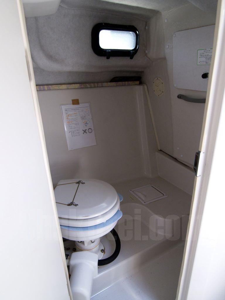 綺麗な個室トイレ完備!