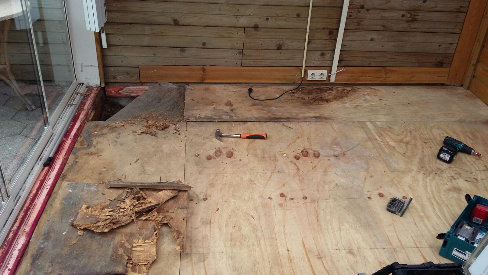 Houten vloer vervangen (voor)