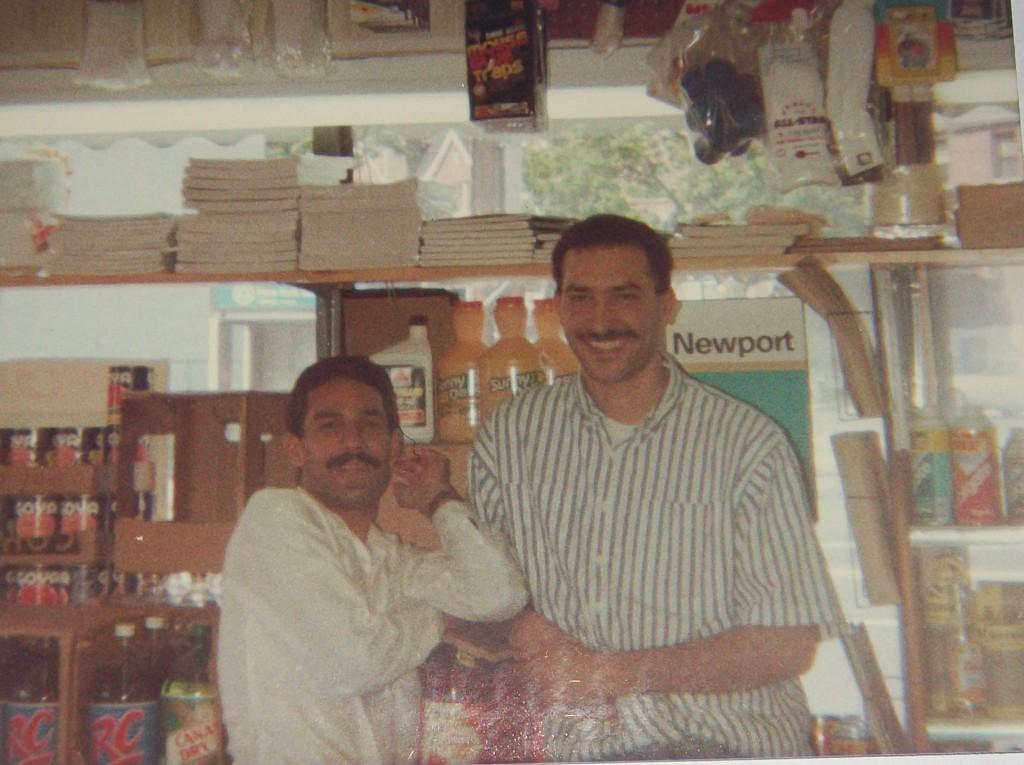 Milo y Vicente Infante,Foto Mayo 1990.