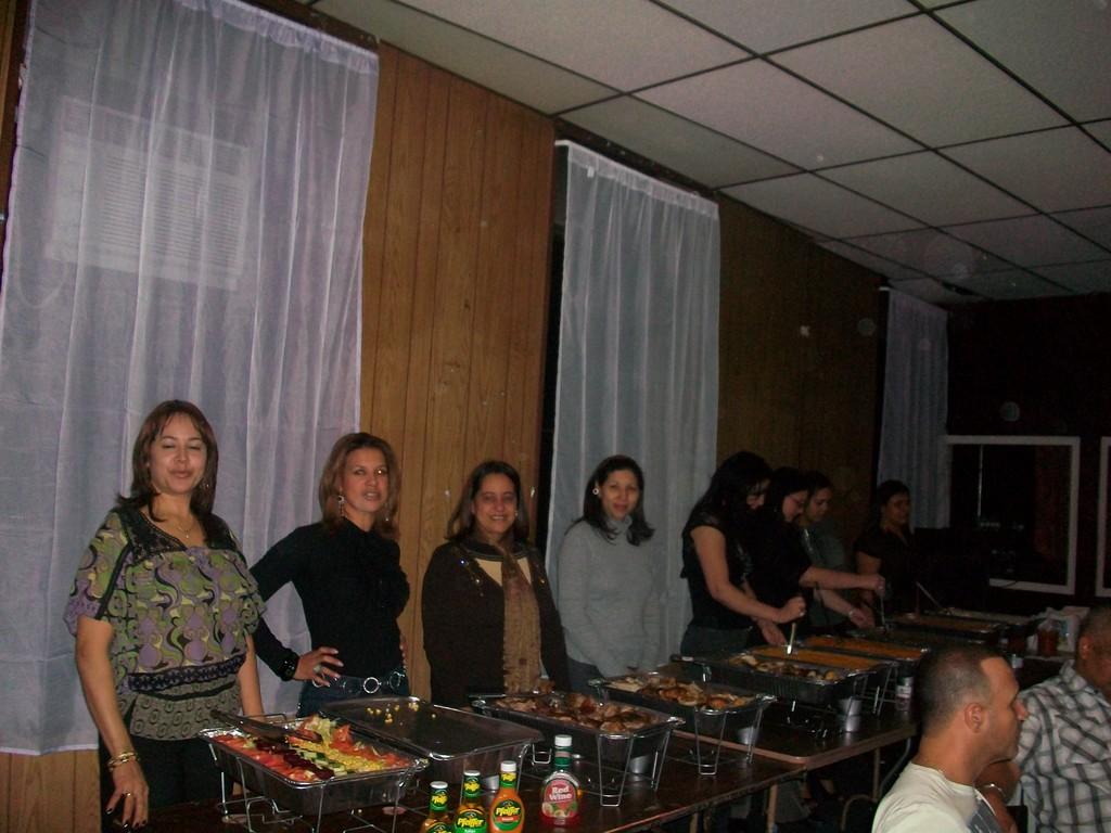 Esposas sirviendo Comida