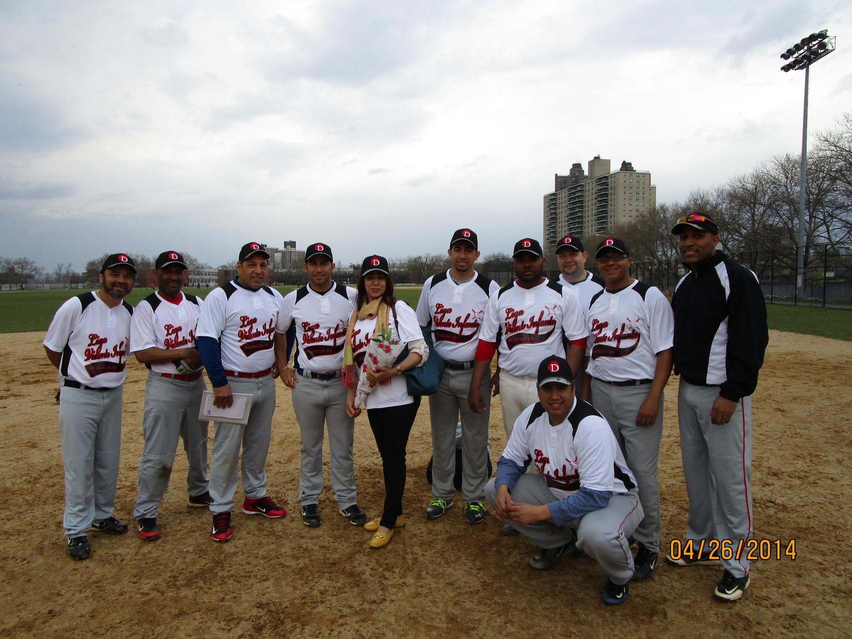 Los Blancos, 2014.  www.livinfante.com