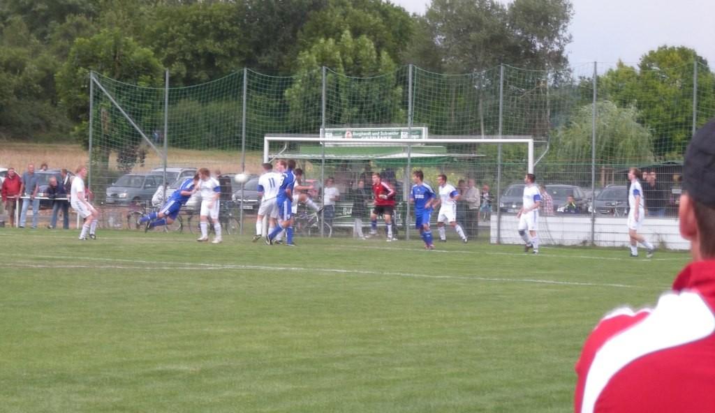 Lukas Wenz erzielt das 2:0