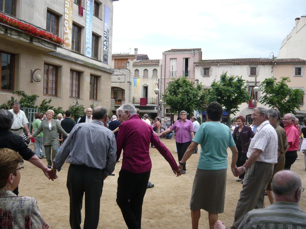 6/6/2010 Sardanes amb la Cobla Bellpuig