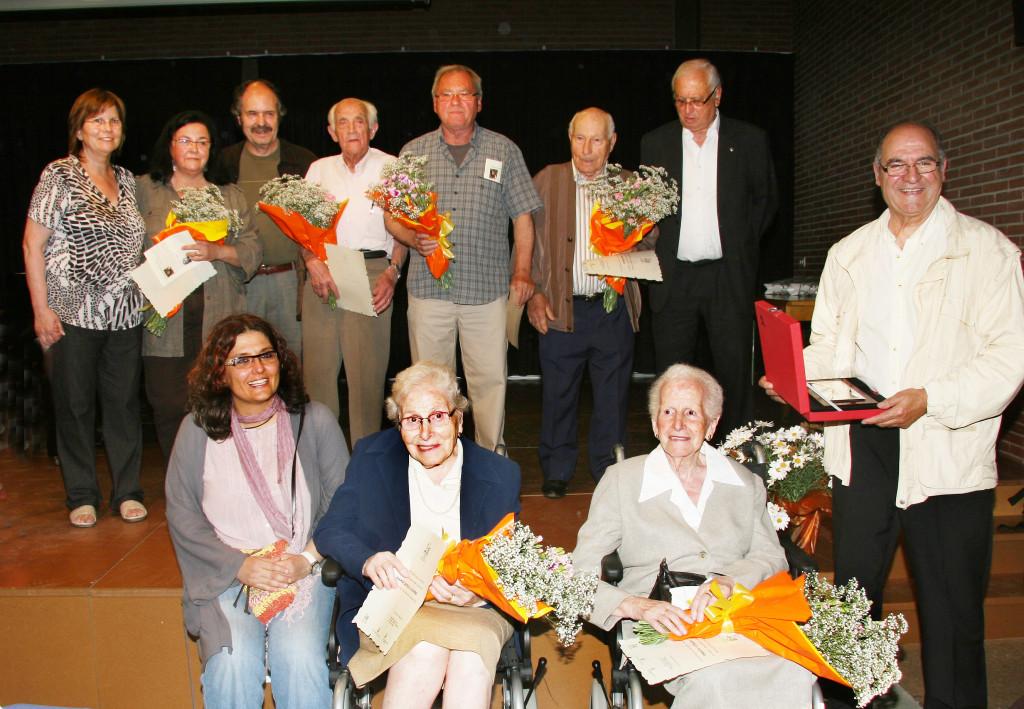 29/05/2010 Les persones homenatjades aquest 2010, amb l'alcaldessa (Neus Bulbena) i la presidenta de l'AC Corpus la Garriga (M. Teresa Viñallonga). Foto: Daniel Soler