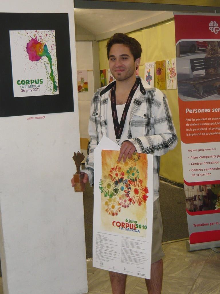6/6/2010 Arnau Colomé rep el premi del 24è Concurs de cartells