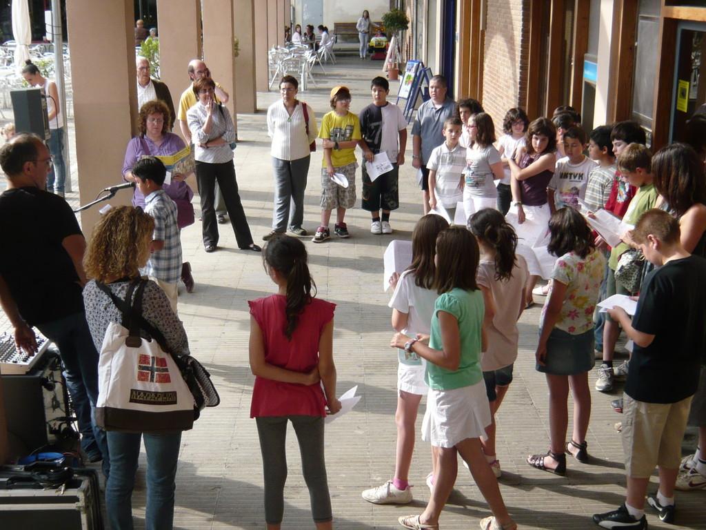 2/06/2010 Lectura de la 'Petita Història de la festa de Corpus de la Garriga' en homenatge a Núria Albó
