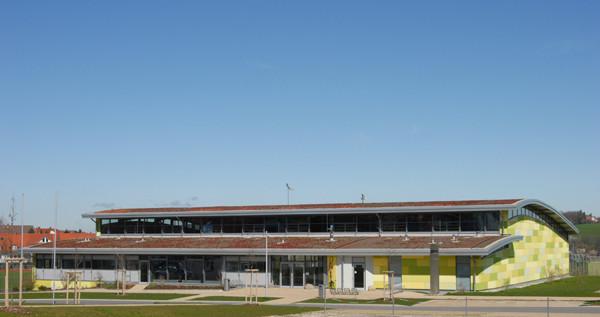 Schönbrunnenhalle Essingen, Eingangsfassade