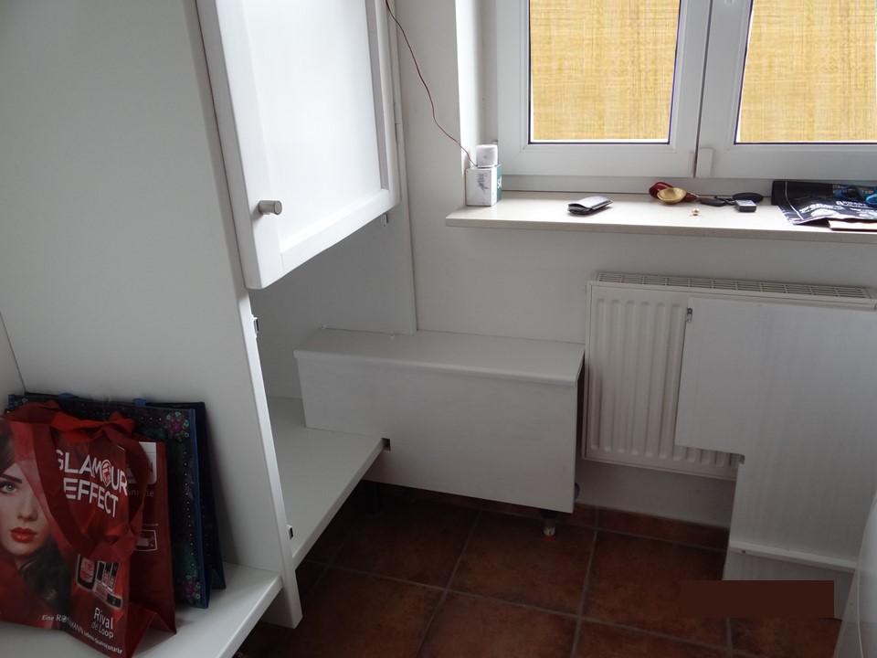 Detail Wasseruhr mit Bekleidung ohne Tür