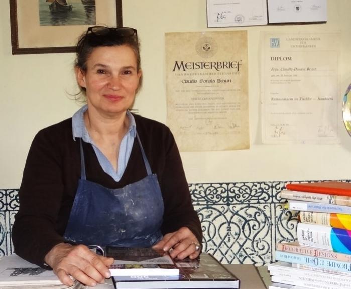 Claudia-Donata Braun, staatlich geprüfte Restauratorin im Tischler-, Maler- und Lackierhandwerk