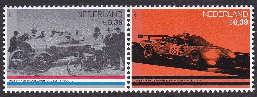 Postzegels Nederland uit 2004. Spyker in 1922 en 2003.
