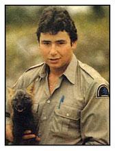 Le 10 octobre 1989, l'agent  Luc Guindon meurt après avoir été atteint d'une flèche d'une arbalète manipulée par un chasseur d'orignal, la nuit, dans la région de Sainte-Agathe.