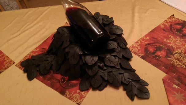 Weinhalter aus geschmiedeten Weinblättern