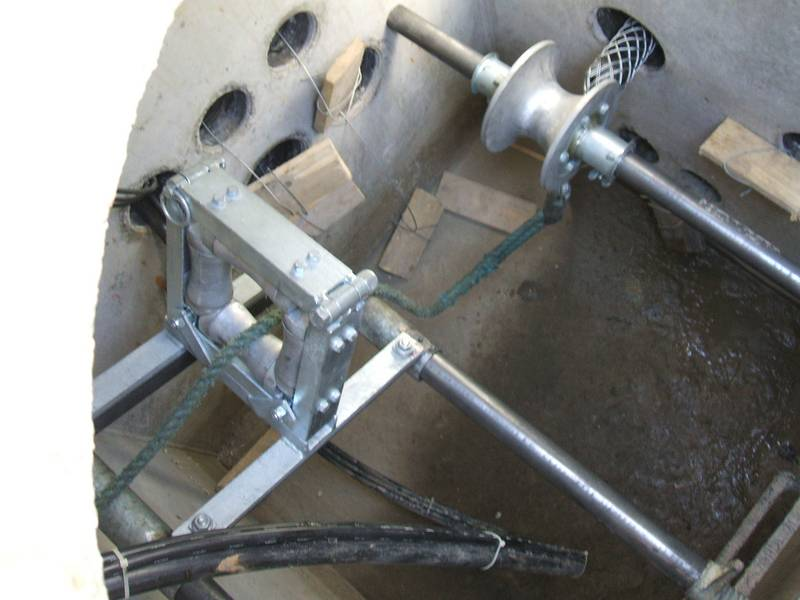 Rollen und Lagerungen der Kabel werden eingebaut