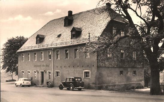 Der Gasthof in den 1950er Jahren auf einer Ansichtskarte