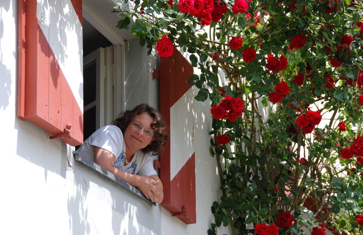 Meine Ausbildung habe ich in der Märchenschule Dornrosen in Schloss Henfenfeld gemacht.