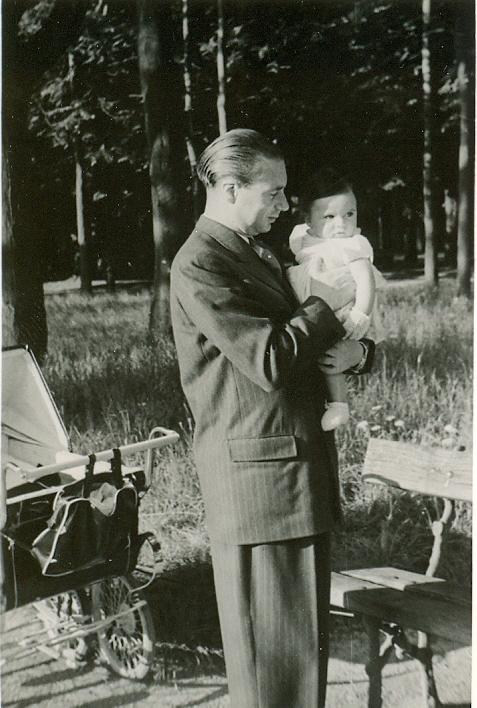 25 juillet 1948, Roland me porte dans ses bras