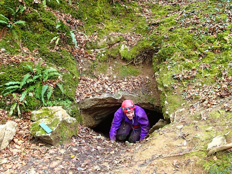 Sentier karstique et ses grottes