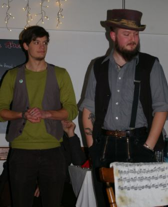 ... und Vorstellung der beiden Musiker von Morrison's Round