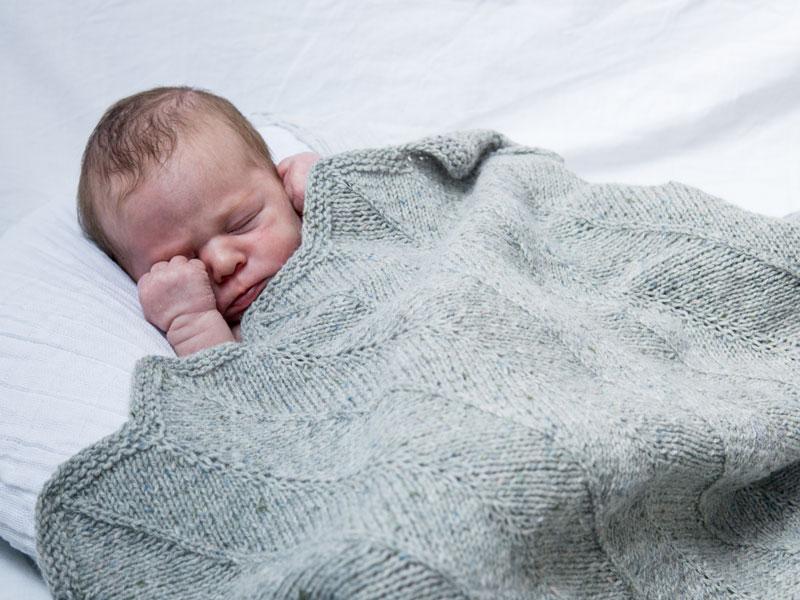 Babydecke selber stricken mit Wooltwist Strickset