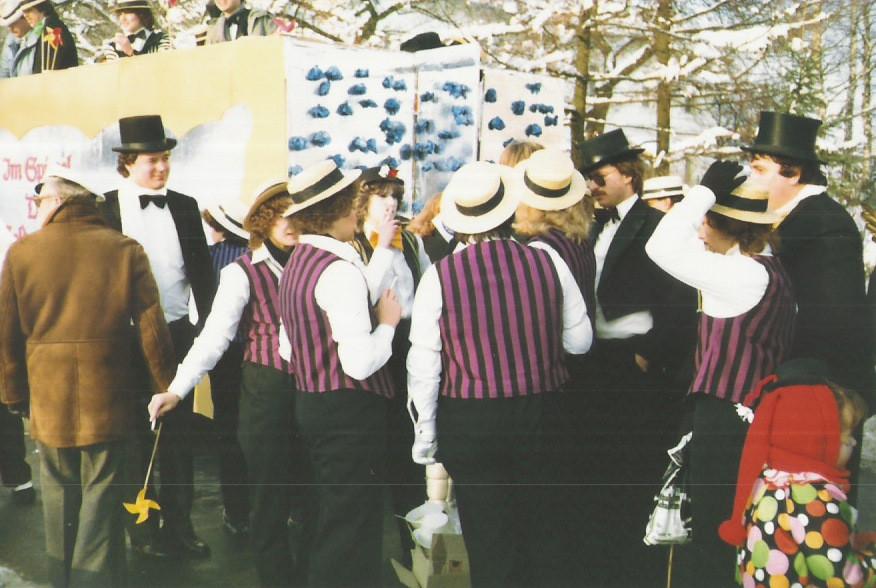"""Karnevalszüge 1983 """"Die goldeneZeit"""""""