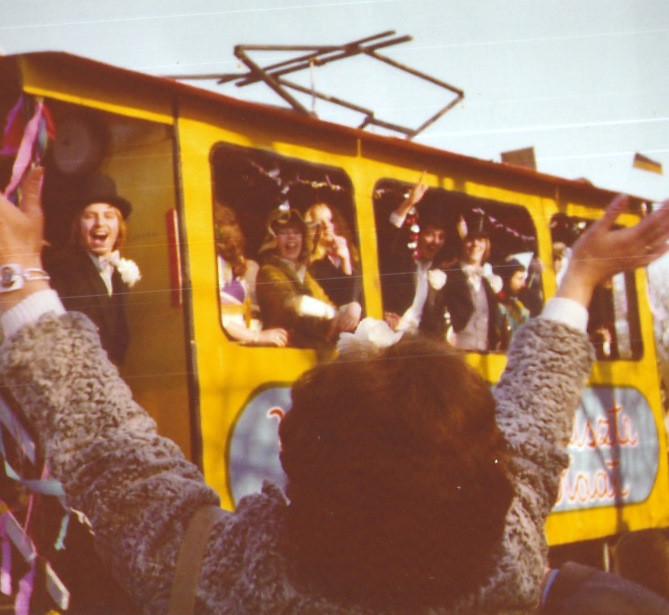 "Karnevalswagen 1975 ""Vür hant de leiszte Tramme - Kaat"""