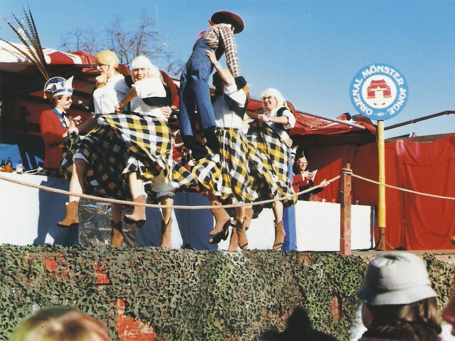 """Marktsitzung 1985 Juxtanz """"Cowgirls"""""""